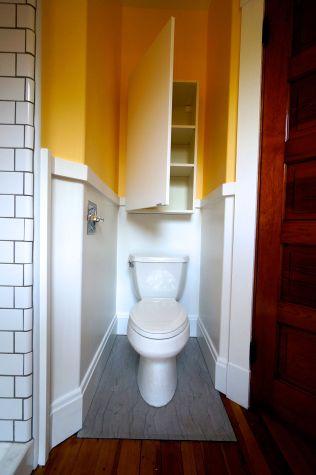 back bedroom suite bathroom