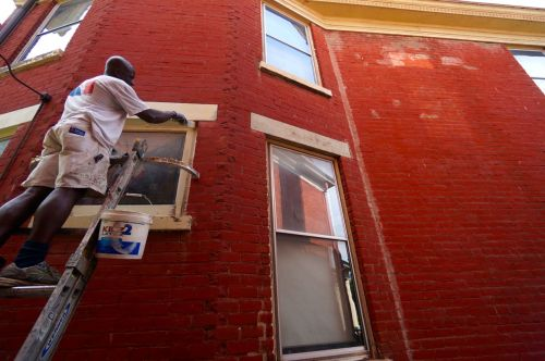 He dug out all the old original glazing around the window trim, then spray foamed in the gap and re caulked it.